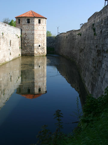 baba-vida-austrian-tower-and-moat