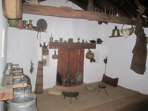 traditional-home-exhibit-01