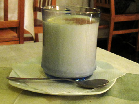 almond-milk-480x360