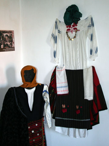 baba-iliitsa-house-museum-clothes