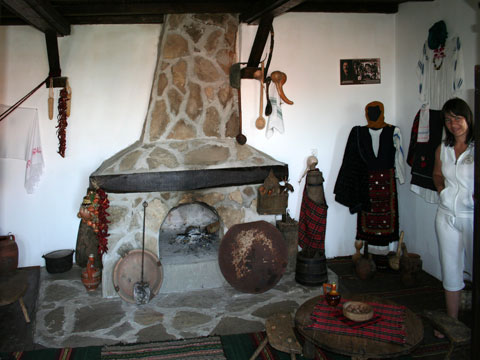 baba-iliitsa-house-museum-fireplace