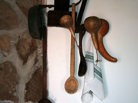 baba-iliitsa-house-museum-kitchen-utensils