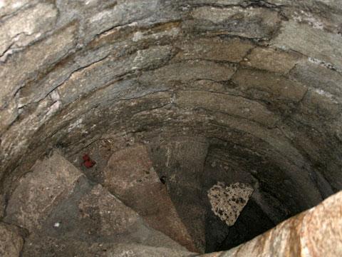 baba-vida-winding-staircase