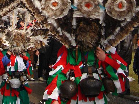 lik-procession-08-480x360