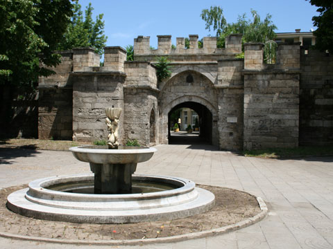 old-city-gate-02
