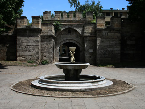 old-city-gate-13