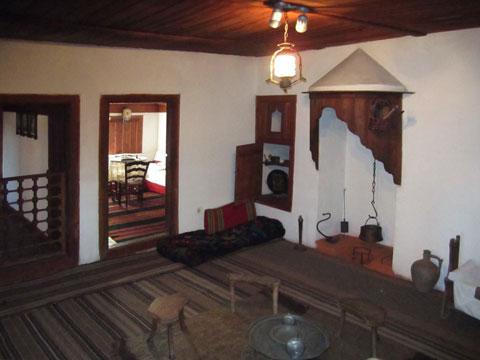 panagyurishte-rayna-knyaginya-house-museum-interior-kitchen