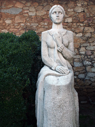 panagyurishte-rayna-knyaginya-statue-2