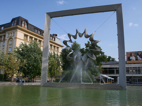 plovdiv-central-square-fountain-for-web