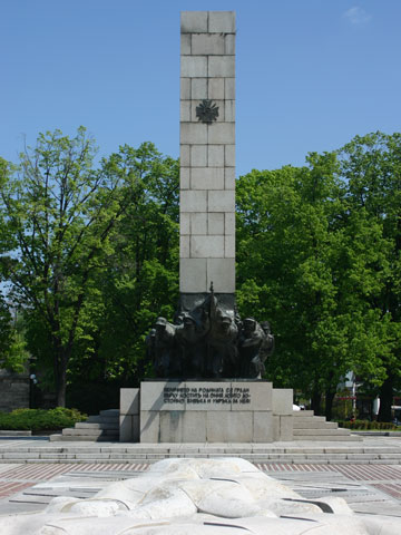 soviet-army-monument