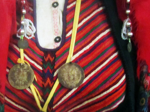 traditional-dress-detail-05