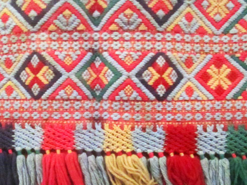 traditional-dress-detail-06
