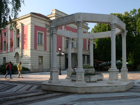 vidin-monument-to-ages